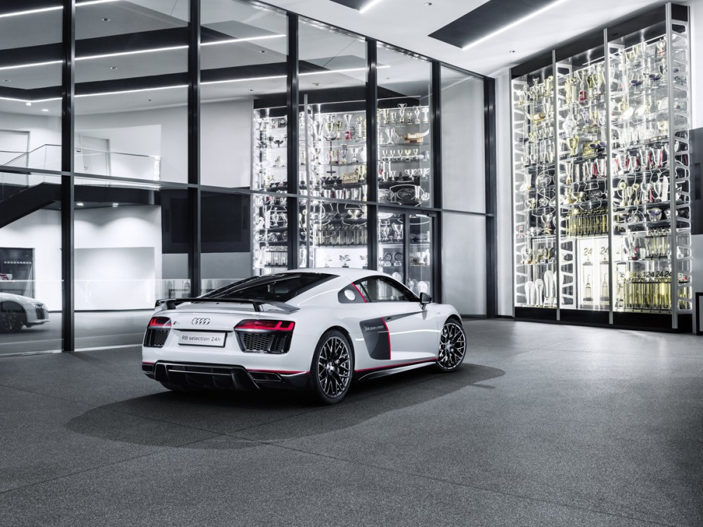 "Audi R8 V10 plus ""selection 24h"""