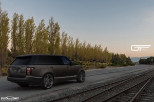 Range Rover L Autobiography with PUR RS07 Wheels