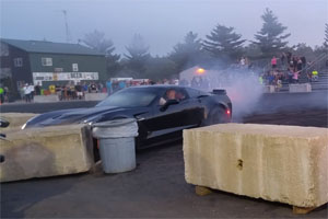 Friday FAIL: Chevrolet Corvette Z06 Crash Burnout
