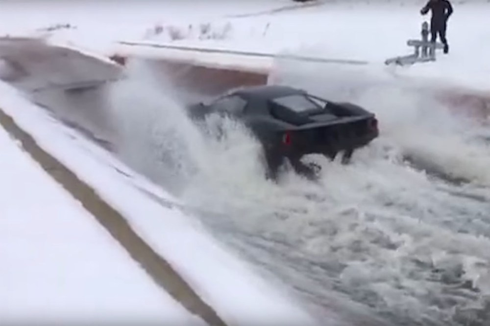 Ford GT Splash Testing