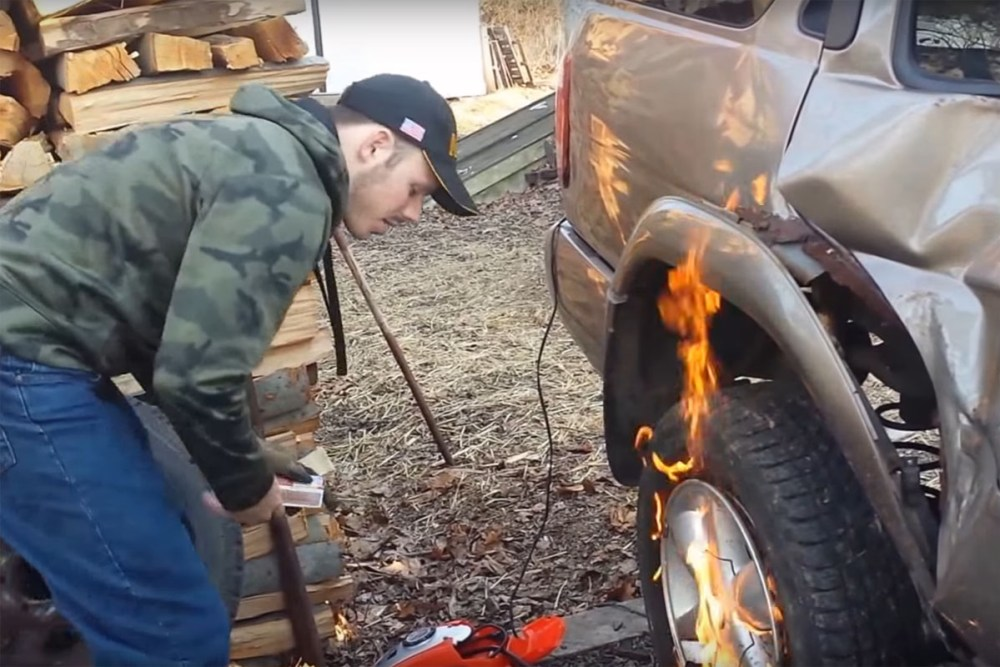 Friday FAIL Redneck Tire Mounting