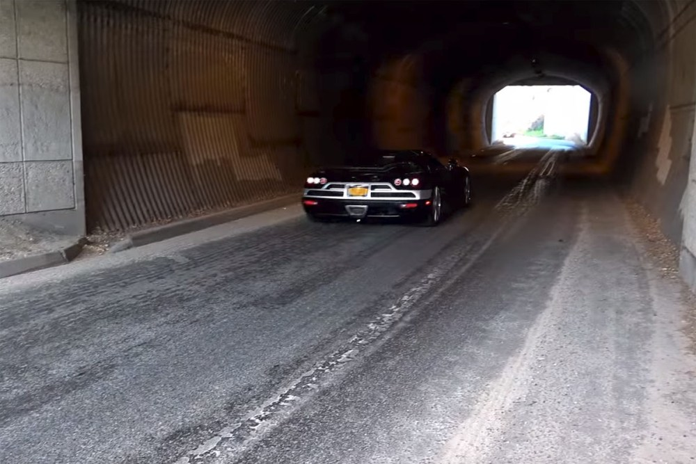 Six Koenigseggs in a Tunnel