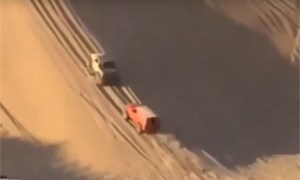 Friday FAIL: Pay Attention while Driving in the Sand Dunes!