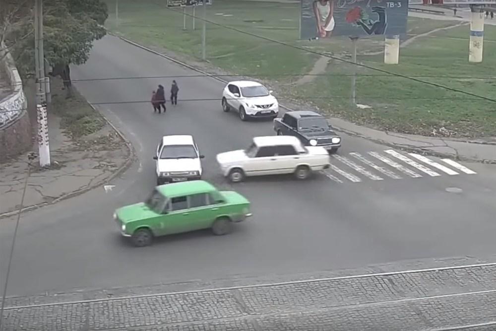 Friday FAIL: Lada Towing Crash