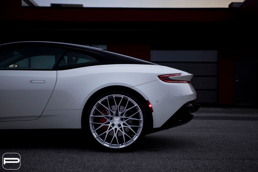 Aston Martin DB11 with PUR FL25 Wheels