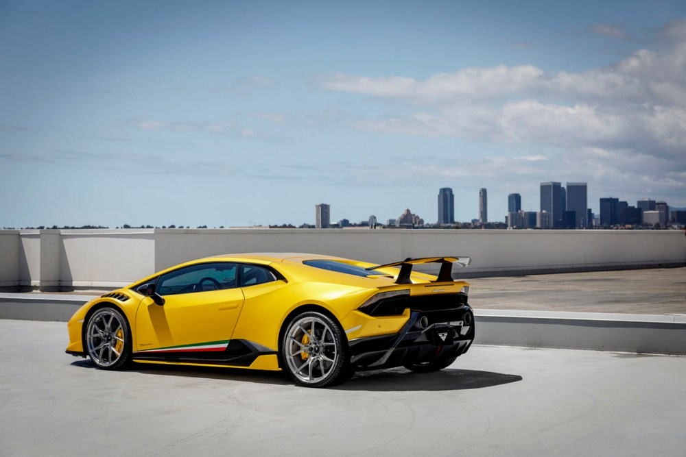 Lamborghini Huracan Performante with V-SF 001 Whels and Aero