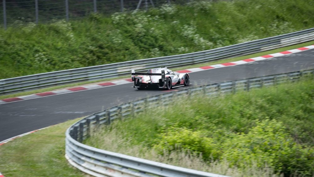 Porsche 919 Evo Nurburgring Record 5.19.55 Timo Bernhard