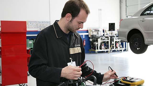 Hybrid-technician