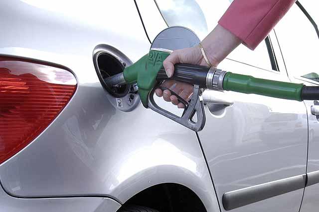 Fuel-filling-up