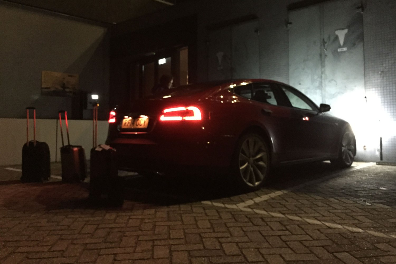 39_Tesla_Model_S_Motoring Research