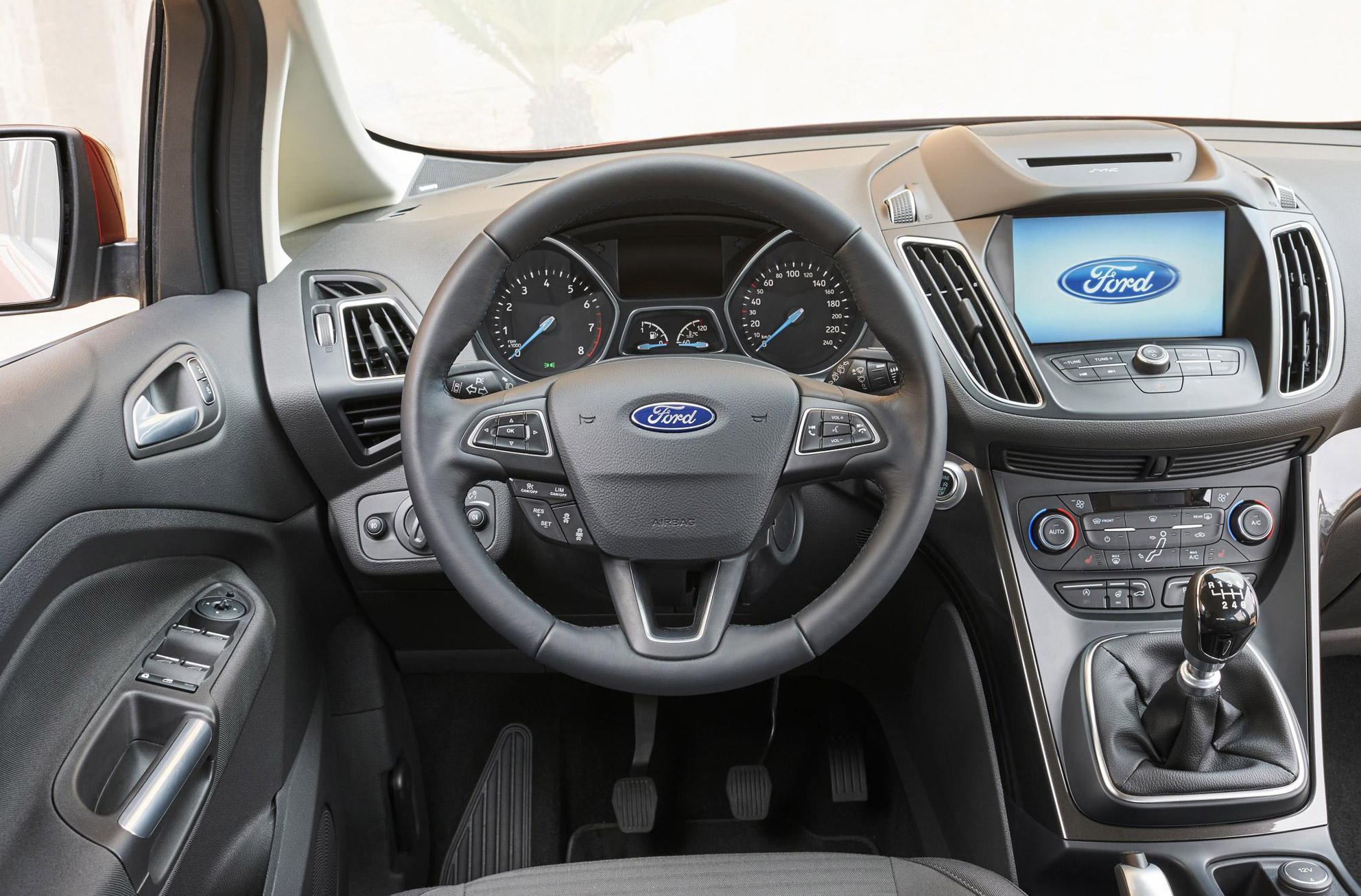 Ford Grand C Max >> Ford Grand C Max 2015 Motoring Research