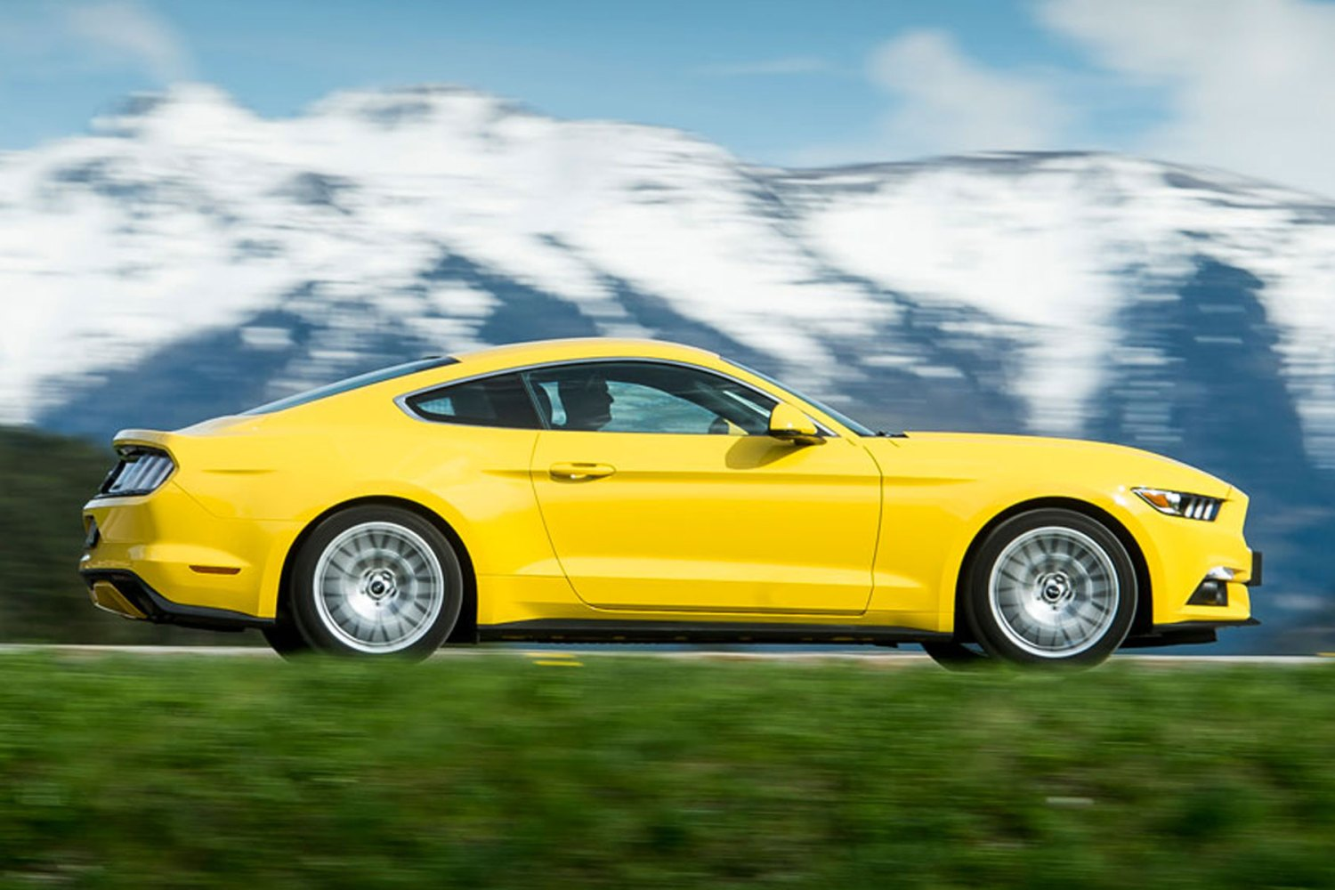 Ford Mustang review: 2015 first drive
