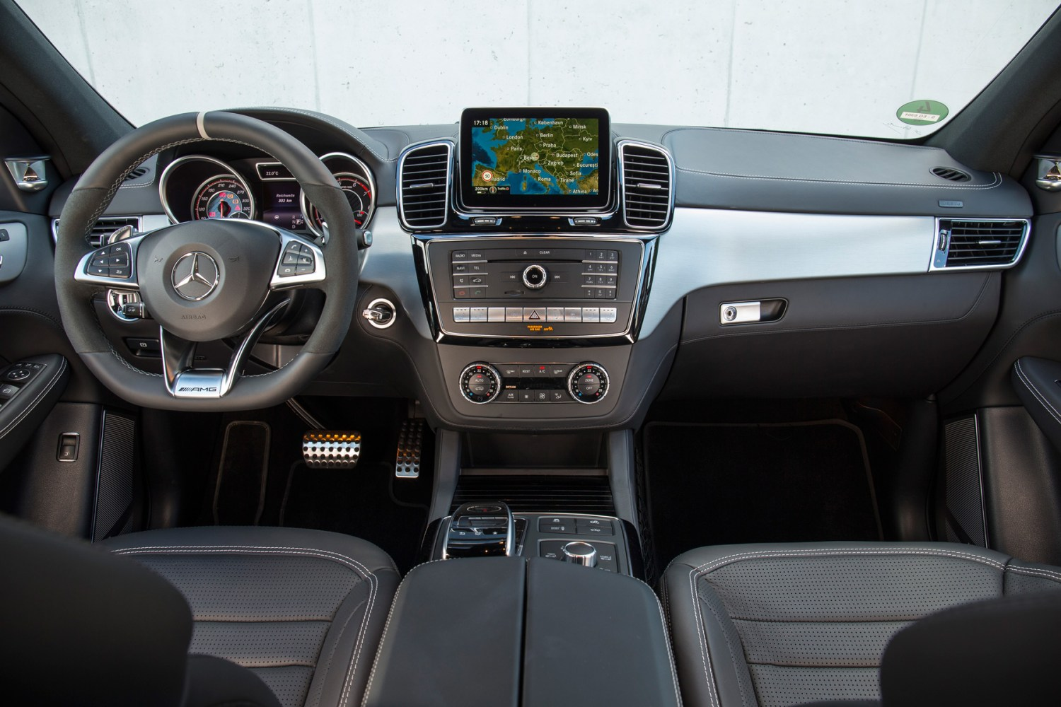 05_Mercedes-AMG_GLE_63_S_Coupe