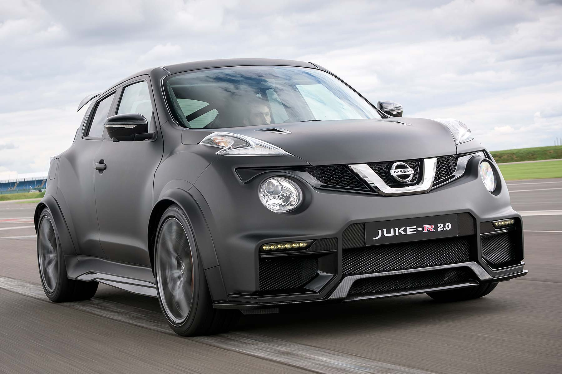 Nissan Juke R 20 Review 2015 First Drive Motoring Research