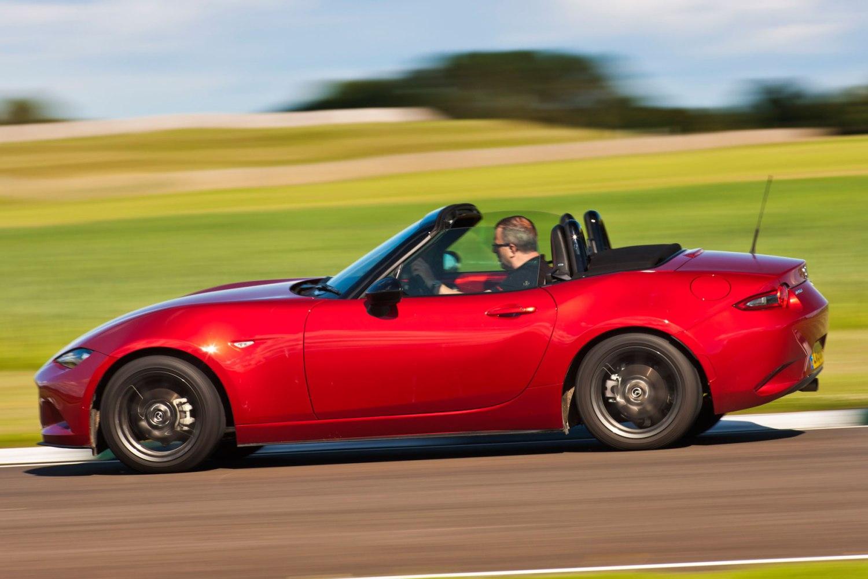 2015 Mazda MX-5: on the road