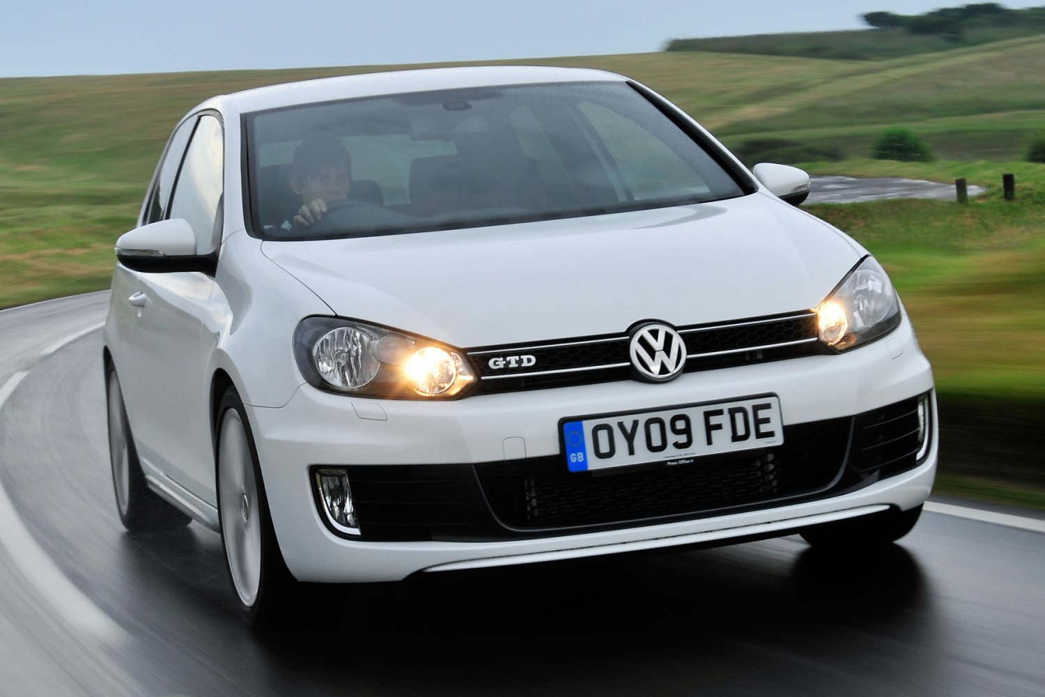 VW emissions scandal has dented faith in car companies but not in diesel