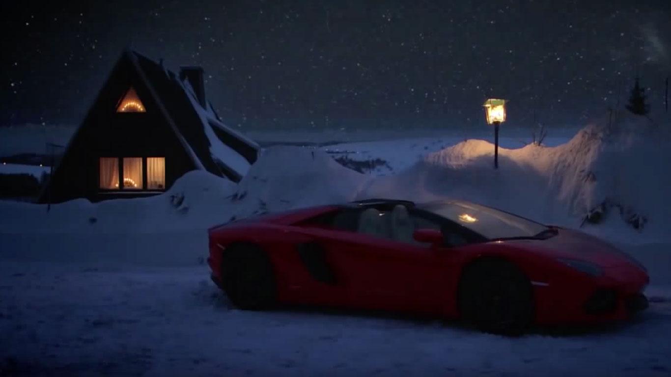 Santa Lamborghini Aventador