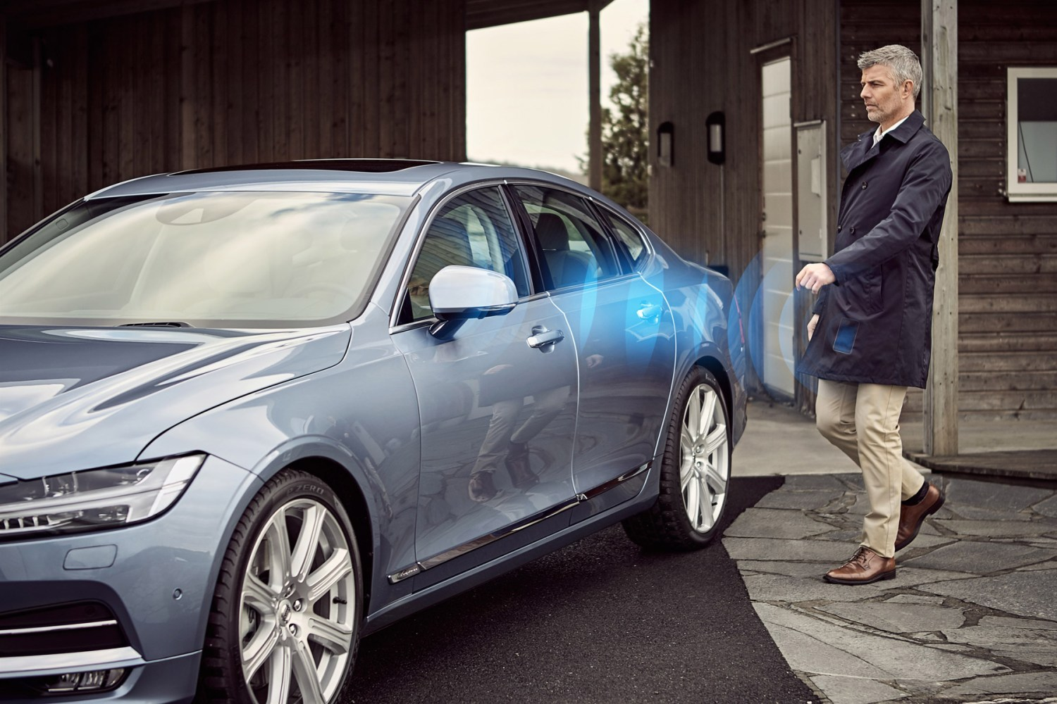 Volvo to sell keyless cars from 2017