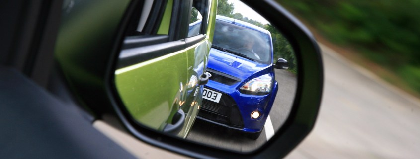 Tailgating and mobile phone use revealed as drivers' biggest gripes