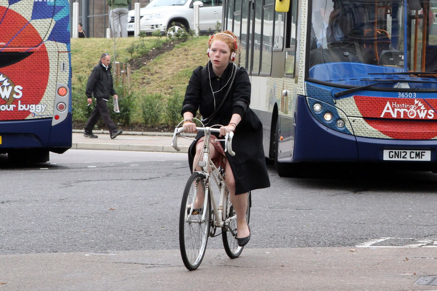Should the Government introduce a minimum cyclist passing distance?