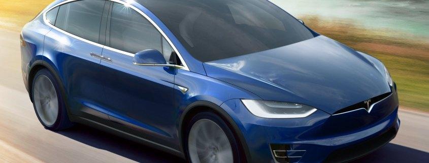 Tesla announces £64,100 entry-level Model X 60D