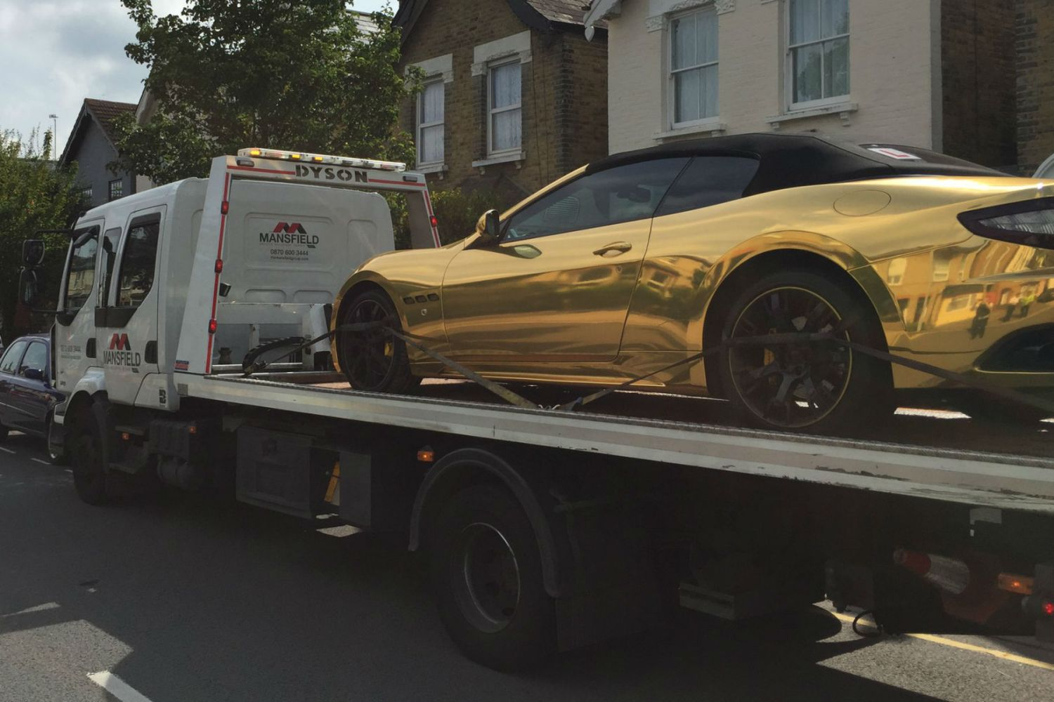 Learner driver has his gold Maserati SEIZED by London police