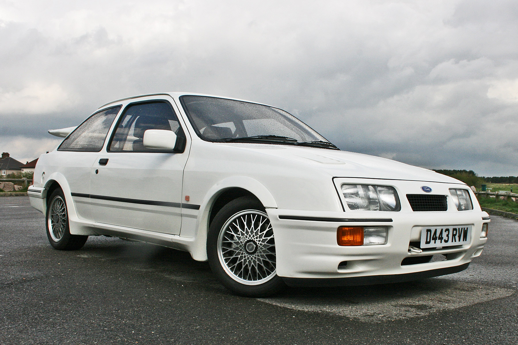 Ford Sierra RS Cosworth: Retro Road Test | Motoring Research