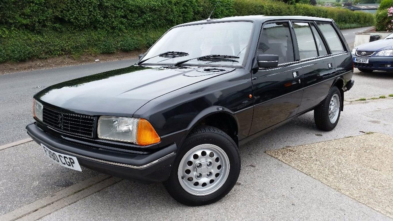 Peugeot 305: £1,795