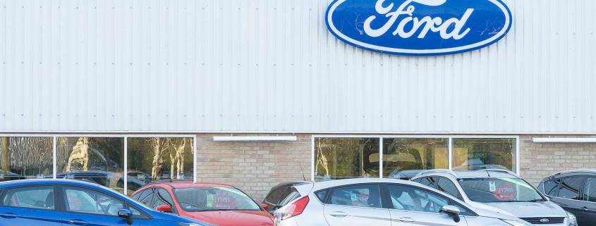 New car sales plummet for fourth month in a row