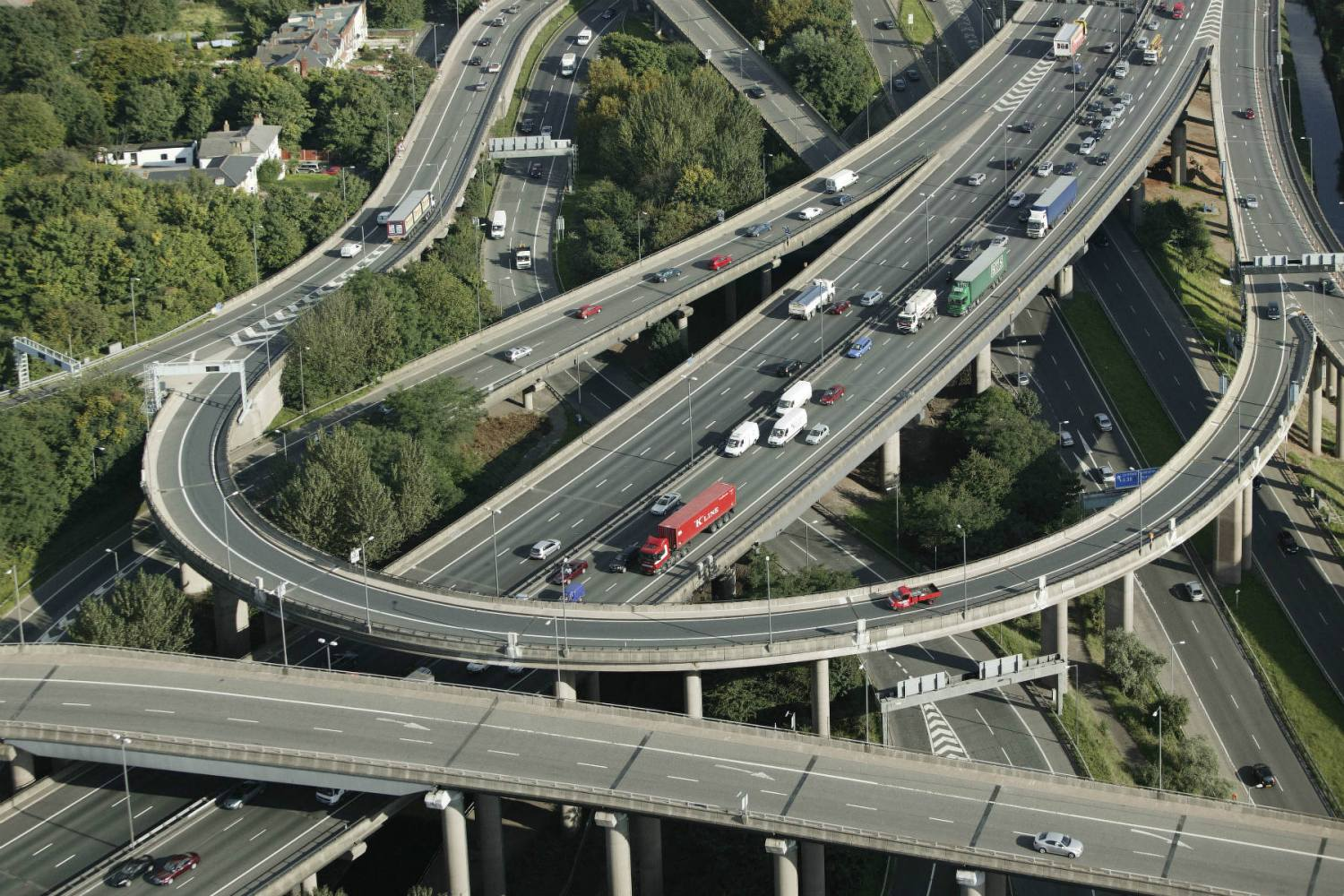 Anti-pollution tunnels on UK motorways not the answer, says RAC