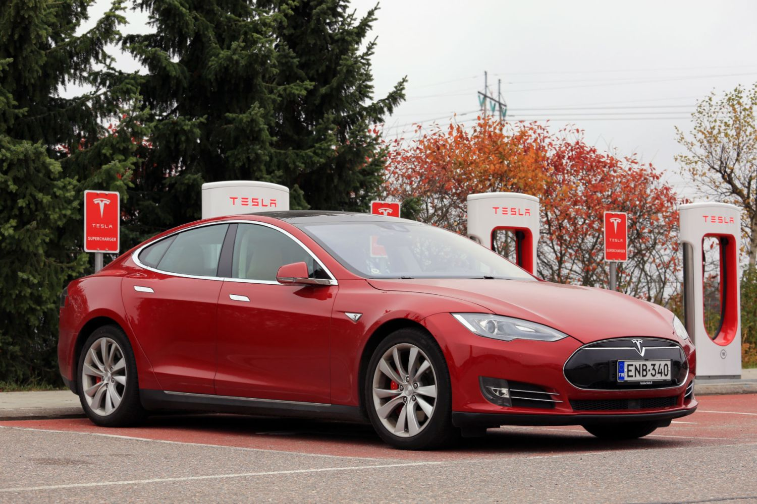 Tesla wants to reinvent the motorway service station