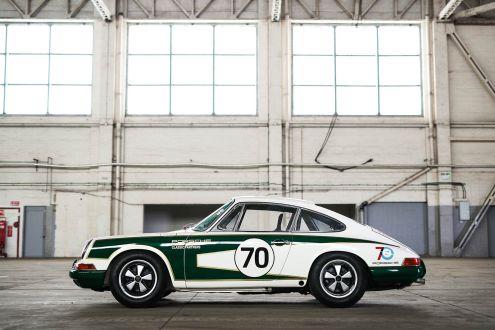 Porsche Classic GB 911 race car