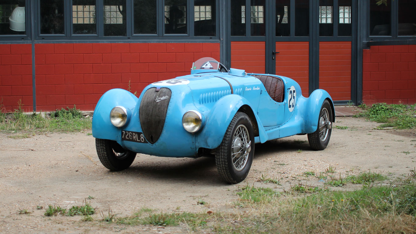 Rare French road and rally cars up for auction