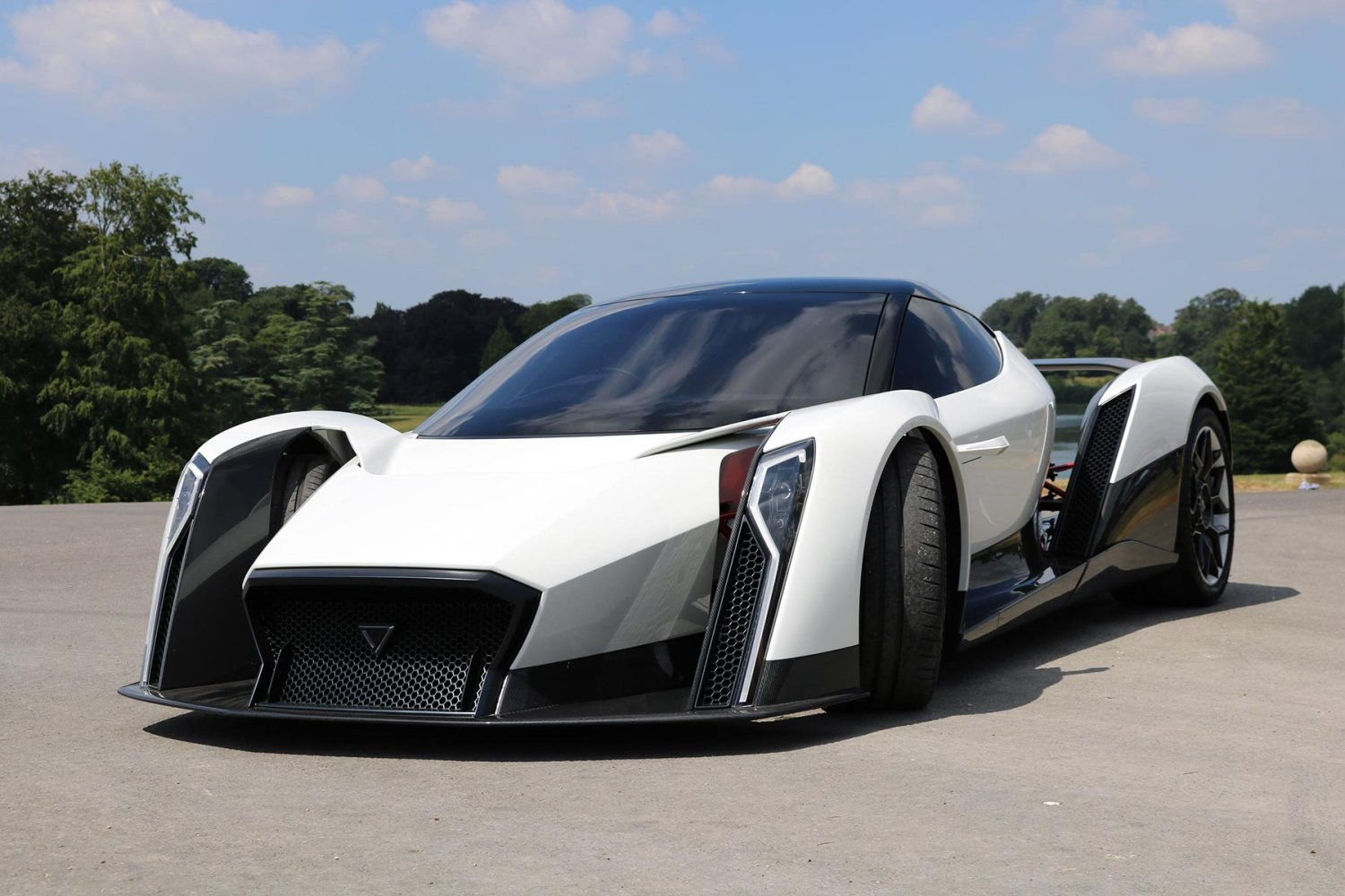 Electric Dendrobium D-1 will be built in Britain