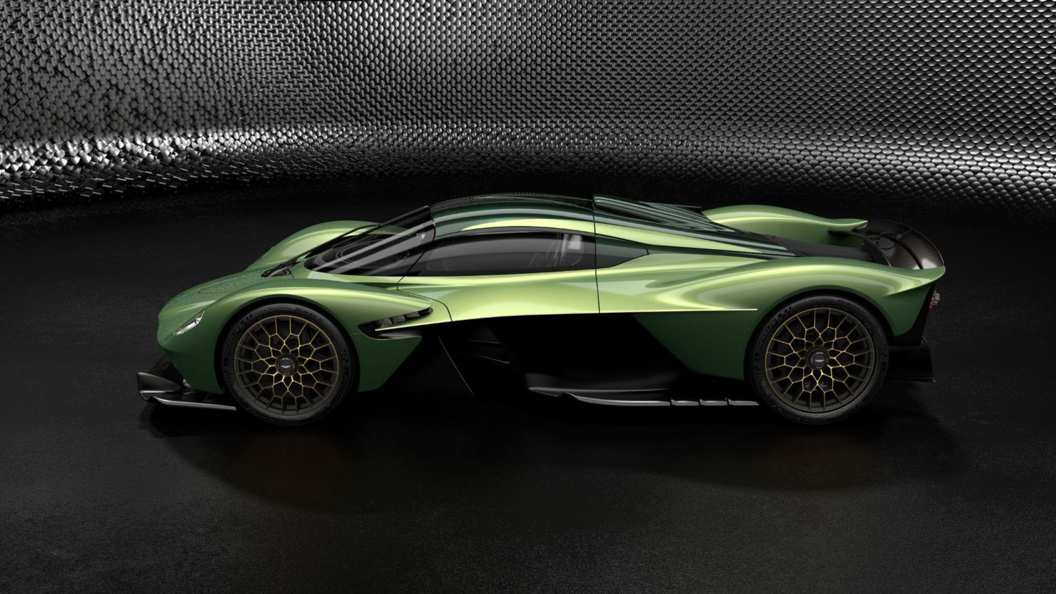 new product d686d 749d7 Aston Martin Valkyrie gets new Track Pack and  Q  accessories