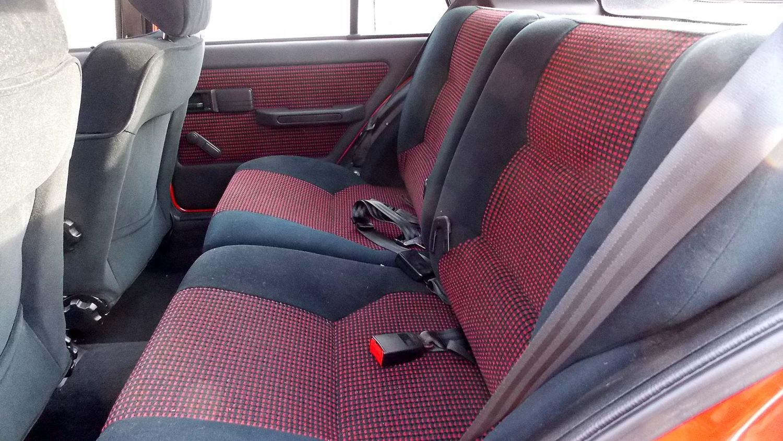 Peugeot 309 interior