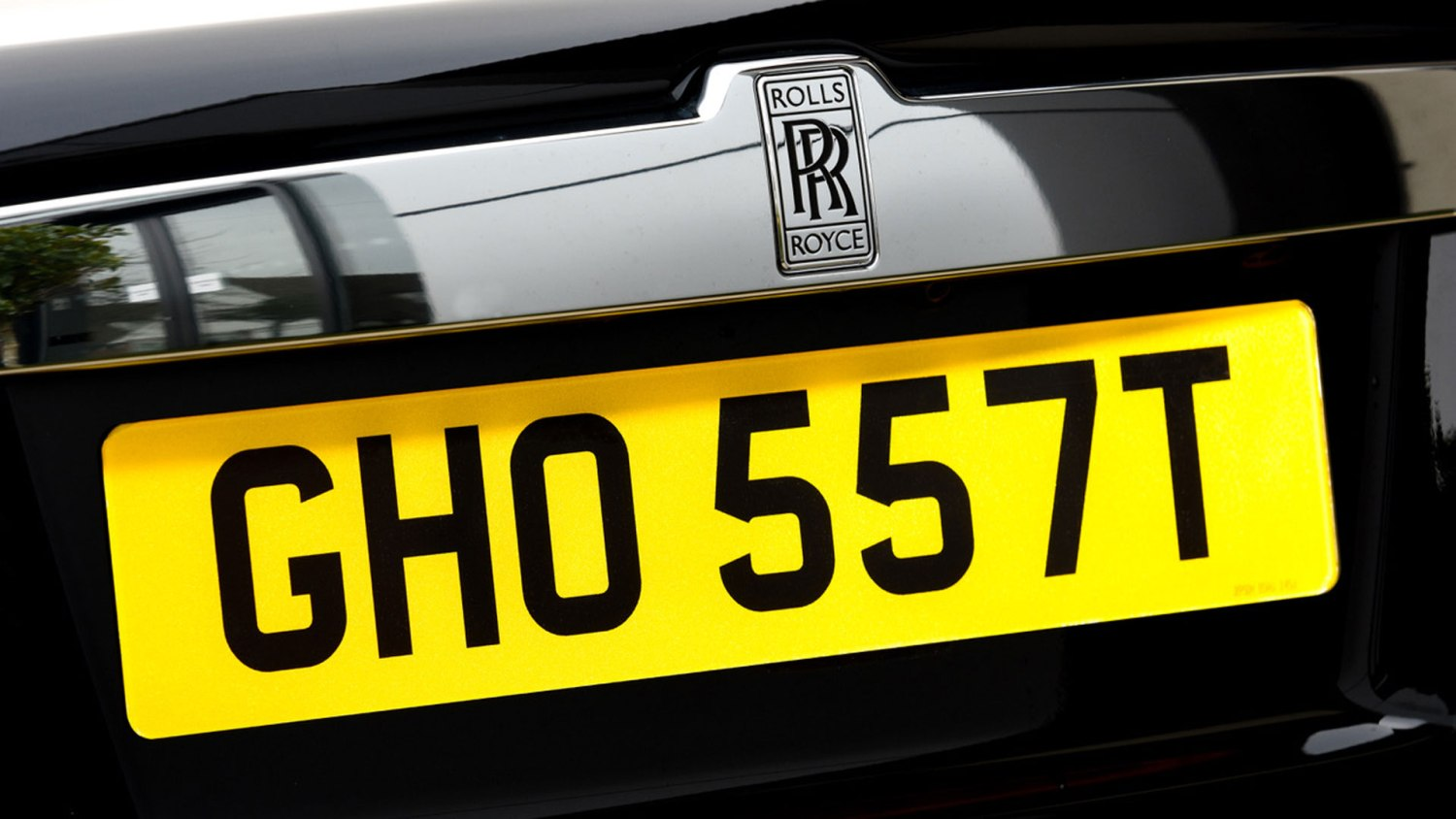 GHO 557T number plate