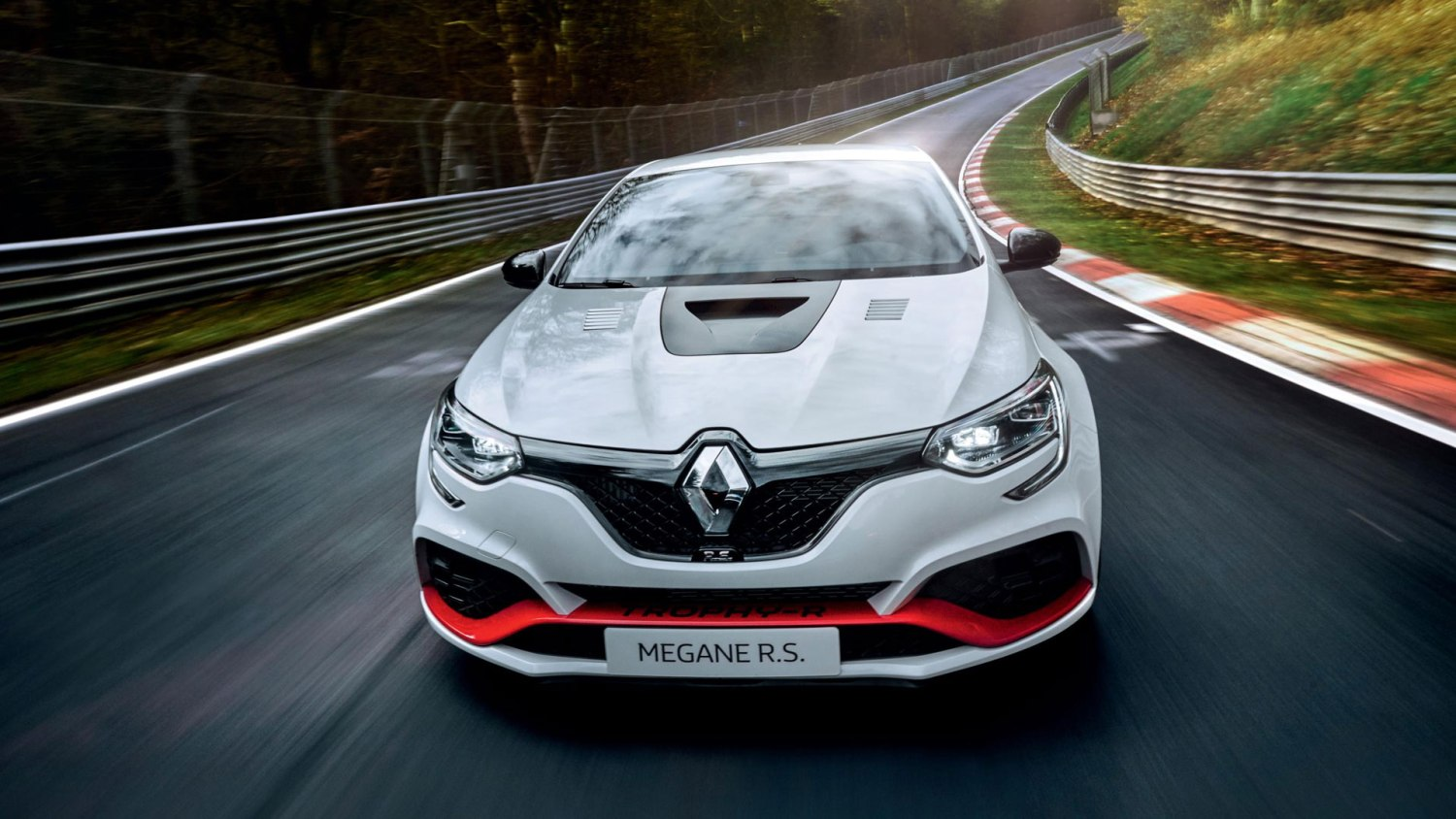 New Megane RS Trophy-R Ring record