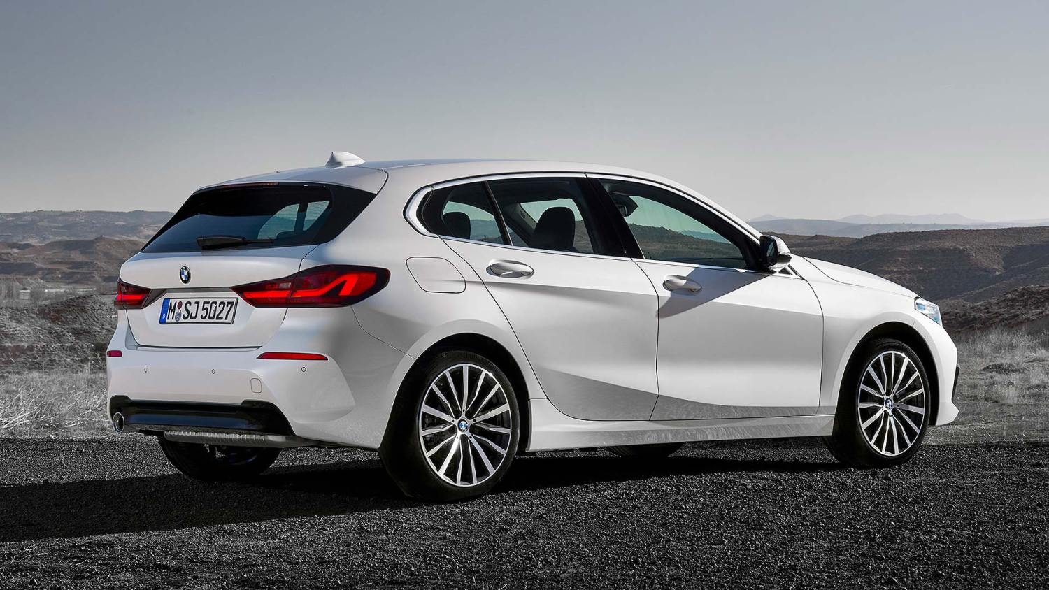 New Bmw 1 Series Revealed Full Details Of The 24 430 Premium Hatch