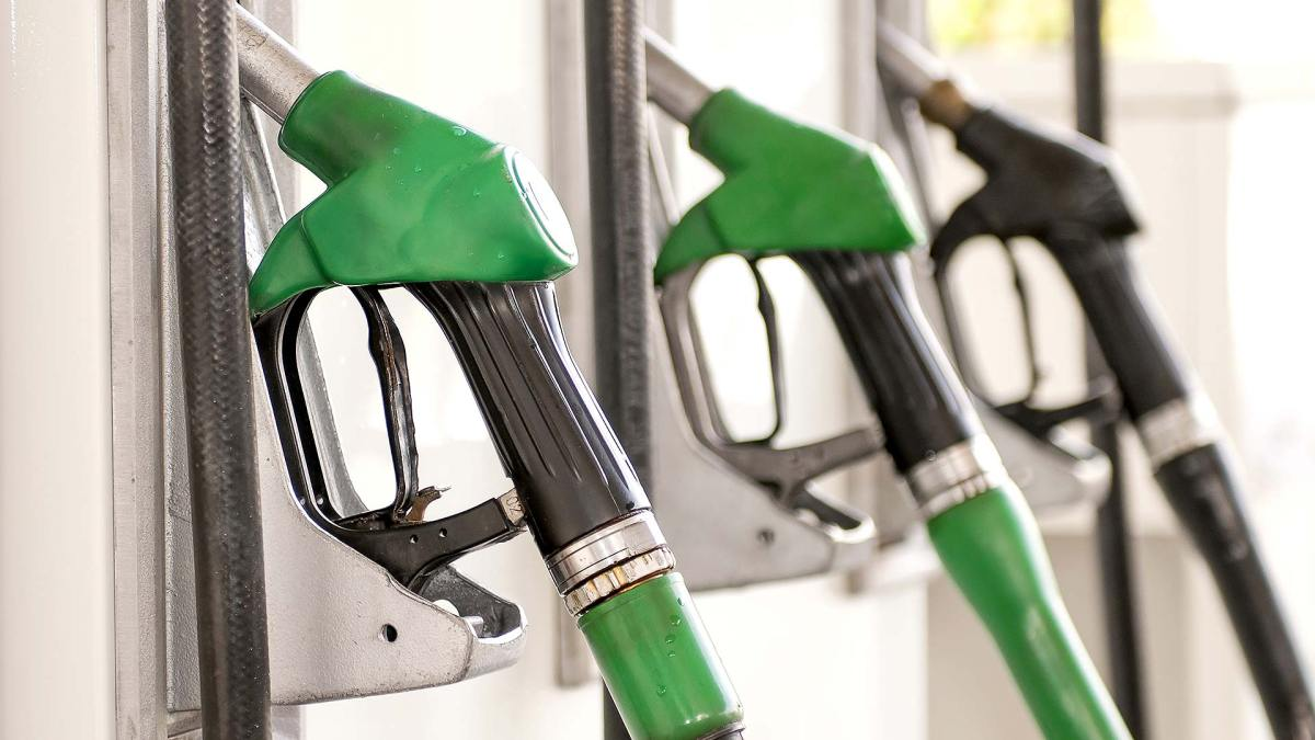 Supermarkets in surprise three-month petrol price RISE