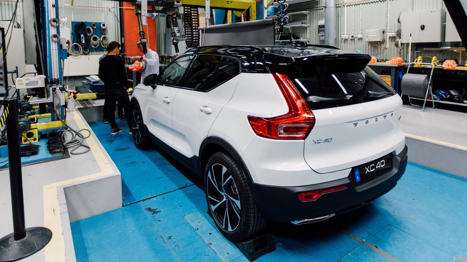 Volvo XC40 cyclist safety