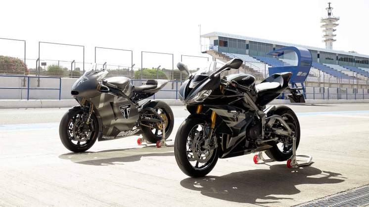 02-Daytona-Moto2-765---Static-with-Moto2-Prototype