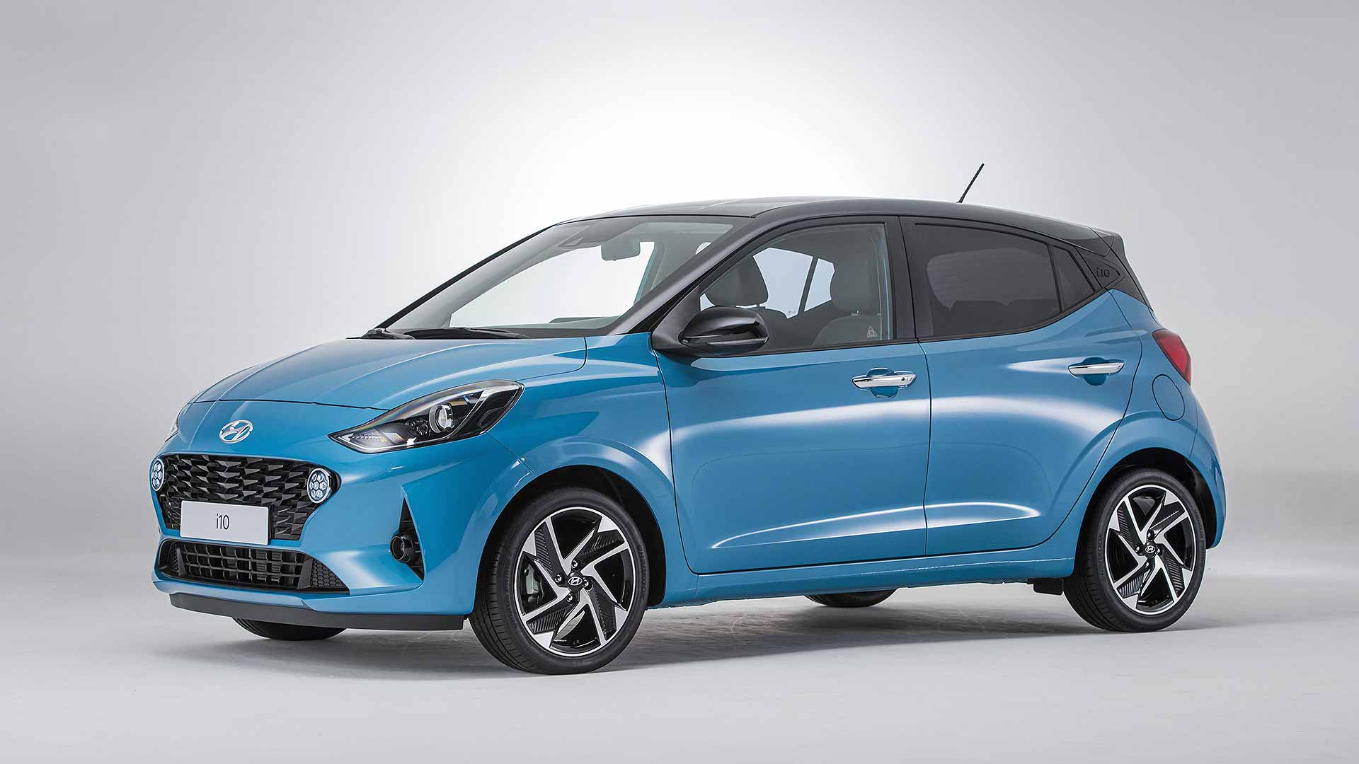 new hyundai i10 city car priced from 12 495. Black Bedroom Furniture Sets. Home Design Ideas