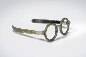 budri-lancia-il-primo-occhiale-al-mondo-realizzato-in-marmo-budri_marble_eyewear_mod_ego_side