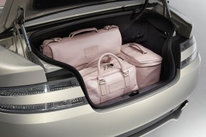 le-aston-martin-personalizzate-da-q-in-mostra-a-pebble-beach-luggage-in-boot