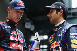 Kvyat-Ricciardo-2015
