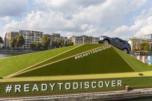 LR_Discovery_Sport_Paris_Reveal_011014_02_LowRes