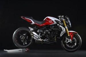 pirelli-diablo-rossoii-scelto-da-mv-agusta-come-primo-equipaggiamento-per-le-nuove-brutale-800-rr-e-brutale-dragster-800-rr-brutale-800-rr-2