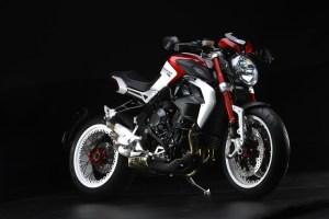 pirelli-diablo-rossoii-scelto-da-mv-agusta-come-primo-equipaggiamento-per-le-nuove-brutale-800-rr-e-brutale-dragster-800-rr-brutale-dragster-800-rr-8
