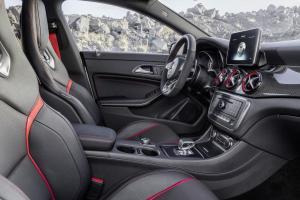 Nuova_CLA_45_AMG_Shooting_Brake_Mercedes-Benz_(3)